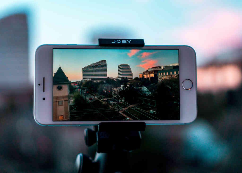 Digital-Course-Warriors-Iphone-Video-Tripod-Mount_1024x731