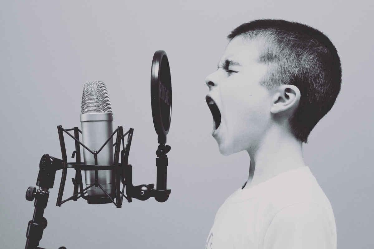 Digital-Course-Warriors-Kid-Microphone_1200x800